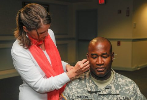 Acupuncture treatment helps soldiers with chronic pain, anxiety, and PTSD