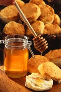 honey-on-biscuits-public-domain.jpg