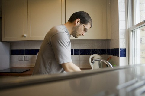 stay awake by doing the dishes? yes, actually doing this exercise keeps you awake